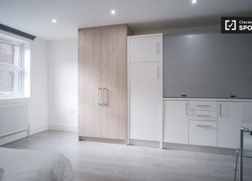 1 bed property to rent in Camberwell Road, London SE5