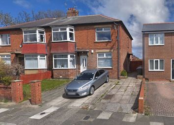 2 bed flat to rent in Balkwell Avenue, North Shields NE29