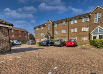 Kensington Way, Borehamwood WD6. 2 bed flat
