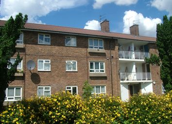 Thumbnail 2 bedroom flat to rent in Mount Way, Welwyn Garden City