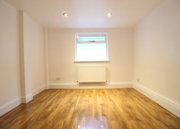 Thumbnail 2 bed flat to rent in Grand Parade, Haringey