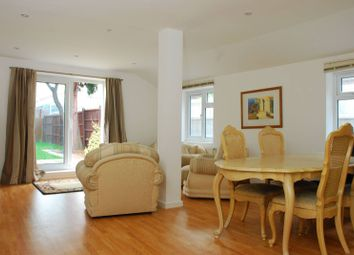 Thumbnail 4 bed property for sale in Avenue Road, Kingston