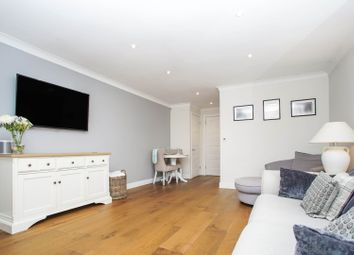 Kingswood Terrace, Chiswick W4. 1 bed flat for sale