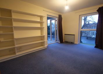2 bed flat to rent in The Oaks, Lynwood Drive, Andover SP10