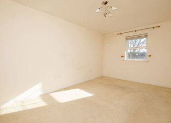 Thumbnail 2 bed flat for sale in Kings Road, Woking