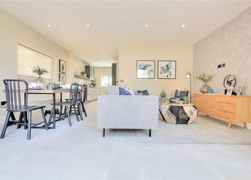 Blagdens Row Houses, Blagdens Lane, Southgate, London N14. 4 bed town house