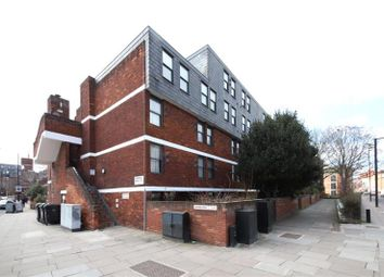 Thumbnail 3 bed maisonette to rent in Vauxhall Bridge Road, London