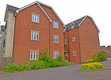 Thumbnail 2 bed flat to rent in Lloyd Court, Mount Pleasant, Redditch