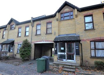 1 bed flat to rent in Harrington Court, Buckland Road, Leyton, London E10