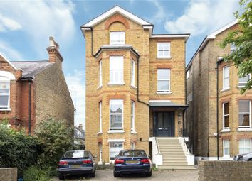 Onslow Road, Richmond, Surrey TW10. 2 bed flat for sale