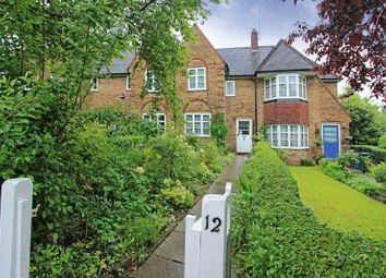 2 bed property to rent in Coleridge Walk, London NW11