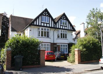 Thumbnail 1 bed flat to rent in Cintra Avenue, Reading, Berkshire