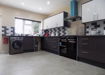 Thumbnail Room to rent in Stockingstone Road, Luton, Bedfordshire