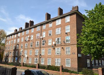 Thumbnail 4 bed flat to rent in Bowling Green Street, London