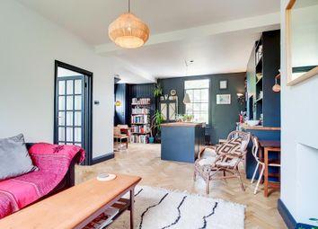 Thumbnail 3 bed flat to rent in Buckingham Road, Islington