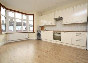 Thumbnail Flat to rent in Kelvin Avenue, Palmers Green, London