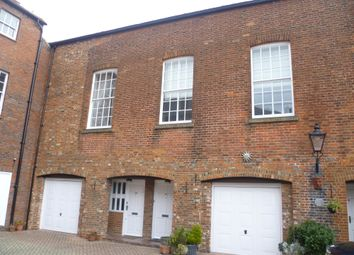Thumbnail 2 bed mews house to rent in North Street, Gosport