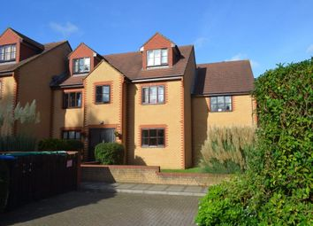 Thumbnail 1 bed flat to rent in Avenue Road, Staines, Middlesex