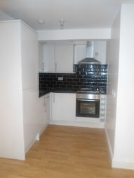Thumbnail 3 bed flat to rent in Grove Crescent Rd, London
