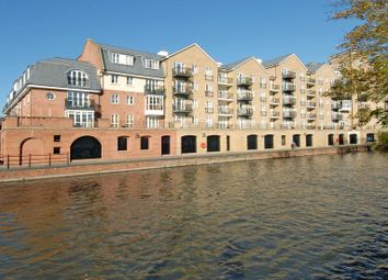 Thumbnail 2 bed flat to rent in Fobney Street, Reading