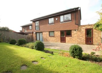 Thumbnail 4 bedroom detached house to rent in Glendyne Way, East Grinstead