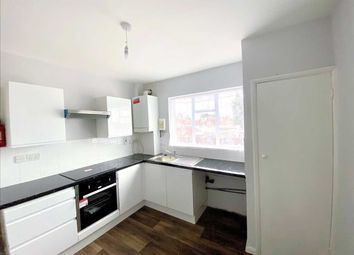 3 bed flat to rent in Waverley Road, Farnham Road, Slough SL1