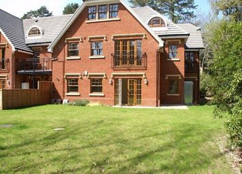 Thumbnail 2 bed flat to rent in Upper Chobham Road, Camberley