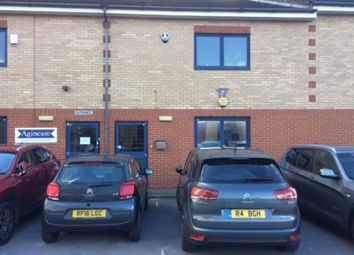 Thumbnail Office to let in Unit 17B Boundary Business Centre, Woking, Surrey