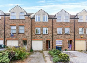 Thumbnail 4 bed detached house to rent in Hogarth Close, London