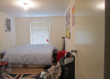 Thumbnail Room to rent in Stork Road, Startford