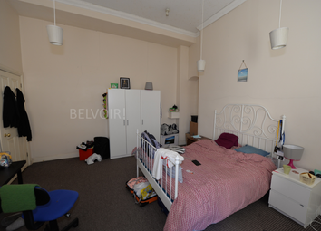 Thumbnail 4 bed flat to rent in Portland Terrace, Southampton
