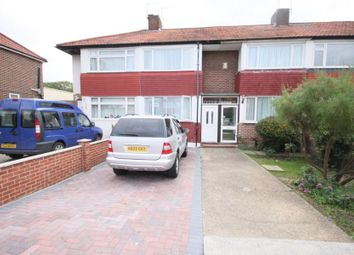 Thumbnail 3 bedroom flat to rent in Queens Drive, Waltham Cross