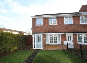 Thumbnail 3 bed flat to rent in Sussex Drive, Banbury