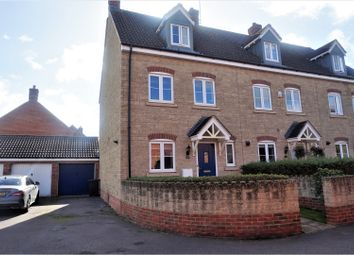 Thumbnail 3 bed town house for sale in Clementine Road, Swindon