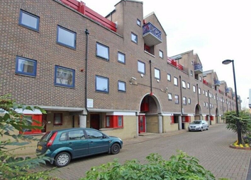 4 bed maisonette to rent in Newland Quay, Wapping/Tobacco Docks E1W