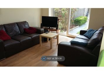 Room to rent in Montana Road, London SW17