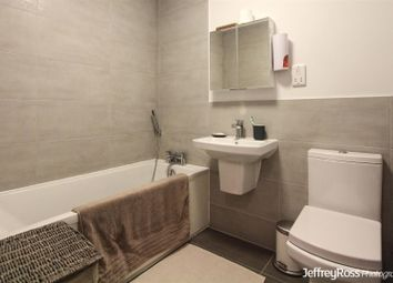 Thumbnail 2 bed flat to rent in Ty-Gwyn Road, Penylan, Cardiff