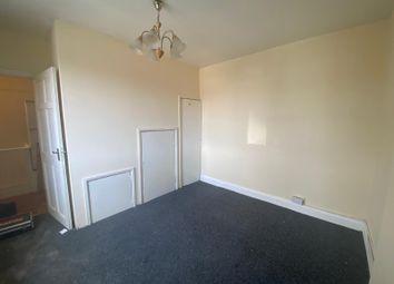 High Road, Chadwell Heath RM6. 3 bed flat