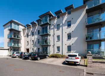 2 bed flat to rent in Links Parade, Carnoustie, Angus DD7