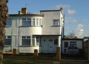 Thumbnail 1 bed flat to rent in Beverley Gardens, Stanmore
