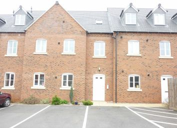 Thumbnail 2 bed flat to rent in Garden Road, Hinckley