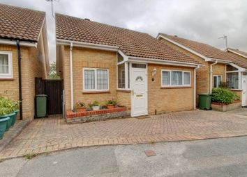 Hoover Drive, Laindon, Basildon SS15. 2 bed detached bungalow