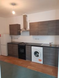 3 bed flat to rent in Vaughan Way, Leicester LE1
