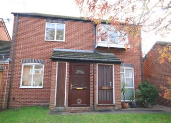 Thumbnail 2 bed flat for sale in Knappe Close, Henley On Thames