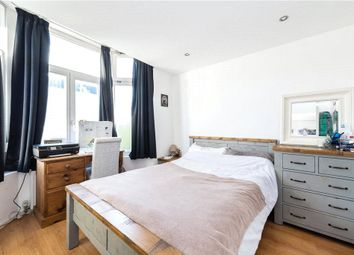 Thumbnail 2 bed flat to rent in Fountain Road, London