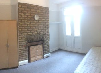 Thumbnail Room to rent in Upper Sunbury Rd, Hanworth