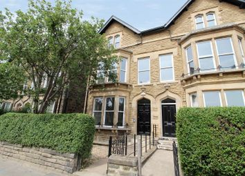 2 bed flat for sale in East Parade, Harrogate HG1