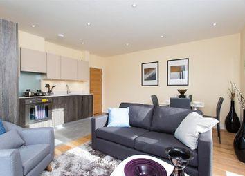 Thumbnail 3 bedroom flat to rent in Saltwell Street, London