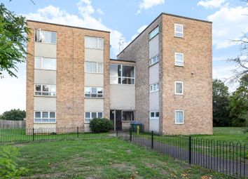 Thumbnail 2 bedroom flat for sale in Aylesbury, Buckinghamshire
