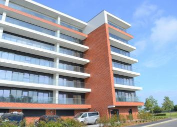 Thumbnail 1 bed flat to rent in Kingman Way, Newbury